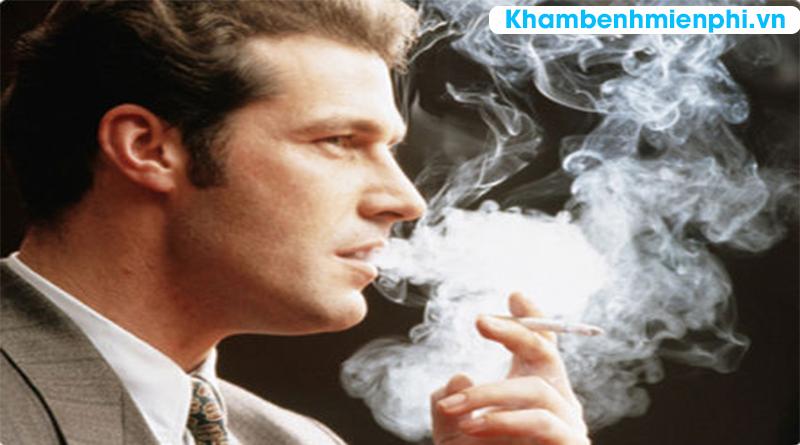 Hút thuốc lá dễ làm hỏng thị lực