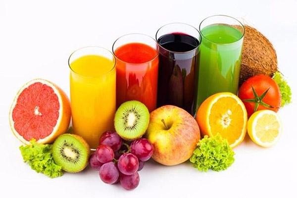 Dùng nước trái cây khi uống thuốc làm giảm tác dung của thuốc